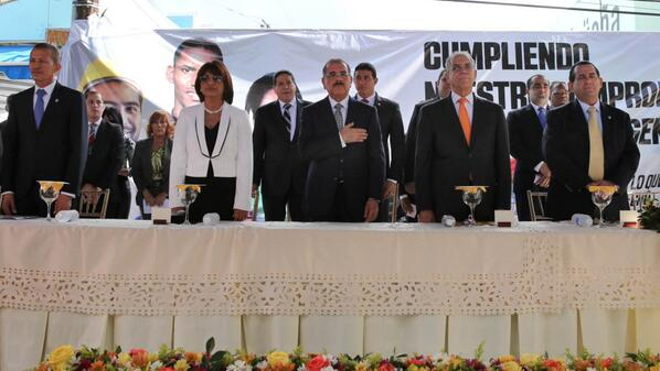 Presidente Medina encabeza inauguración de mercado en SFM