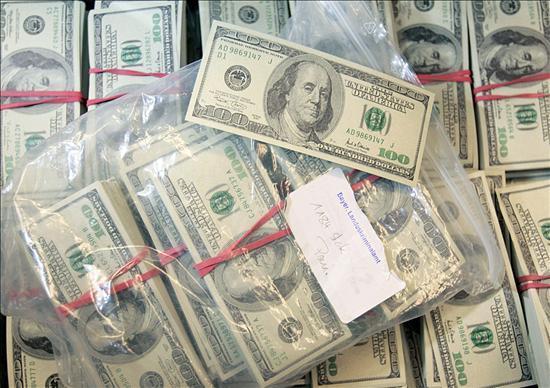 Decomisan un millón de dólares falsos en Quito