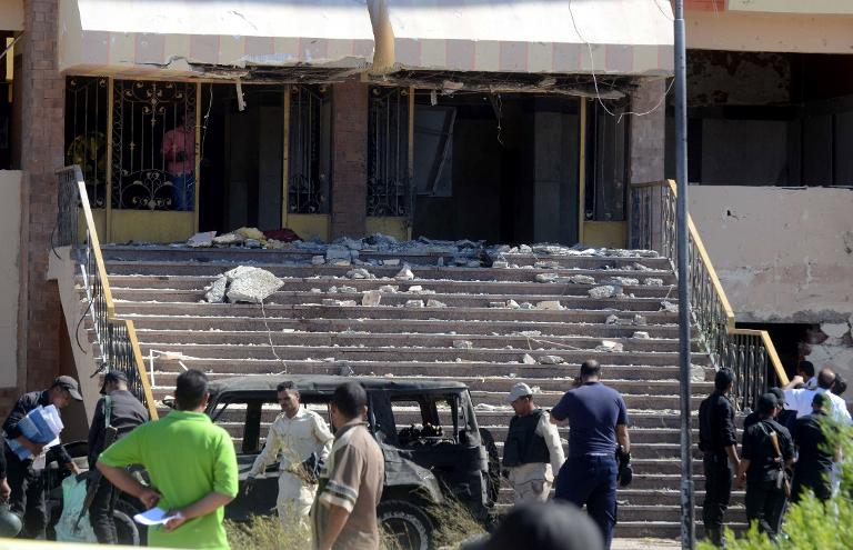 Al menos cinco muertos en atentado contra un edificio de la policía egipcio