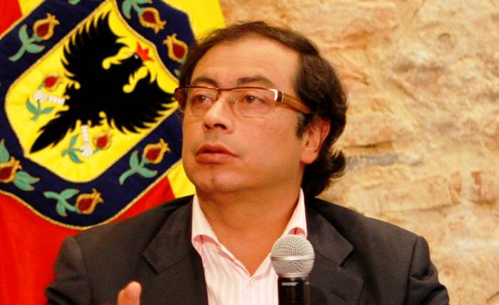 Alcalde de Bogotá dice que su destitución es un