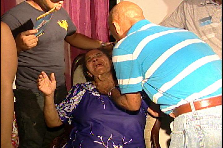 En medio de llantos velan restos de taxista asesinado en Mirador Sur