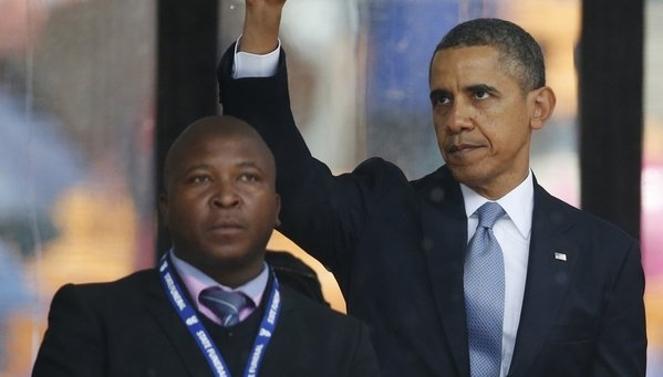 Escándalo por falso intérprete para sordomudos en funeral de Mandela