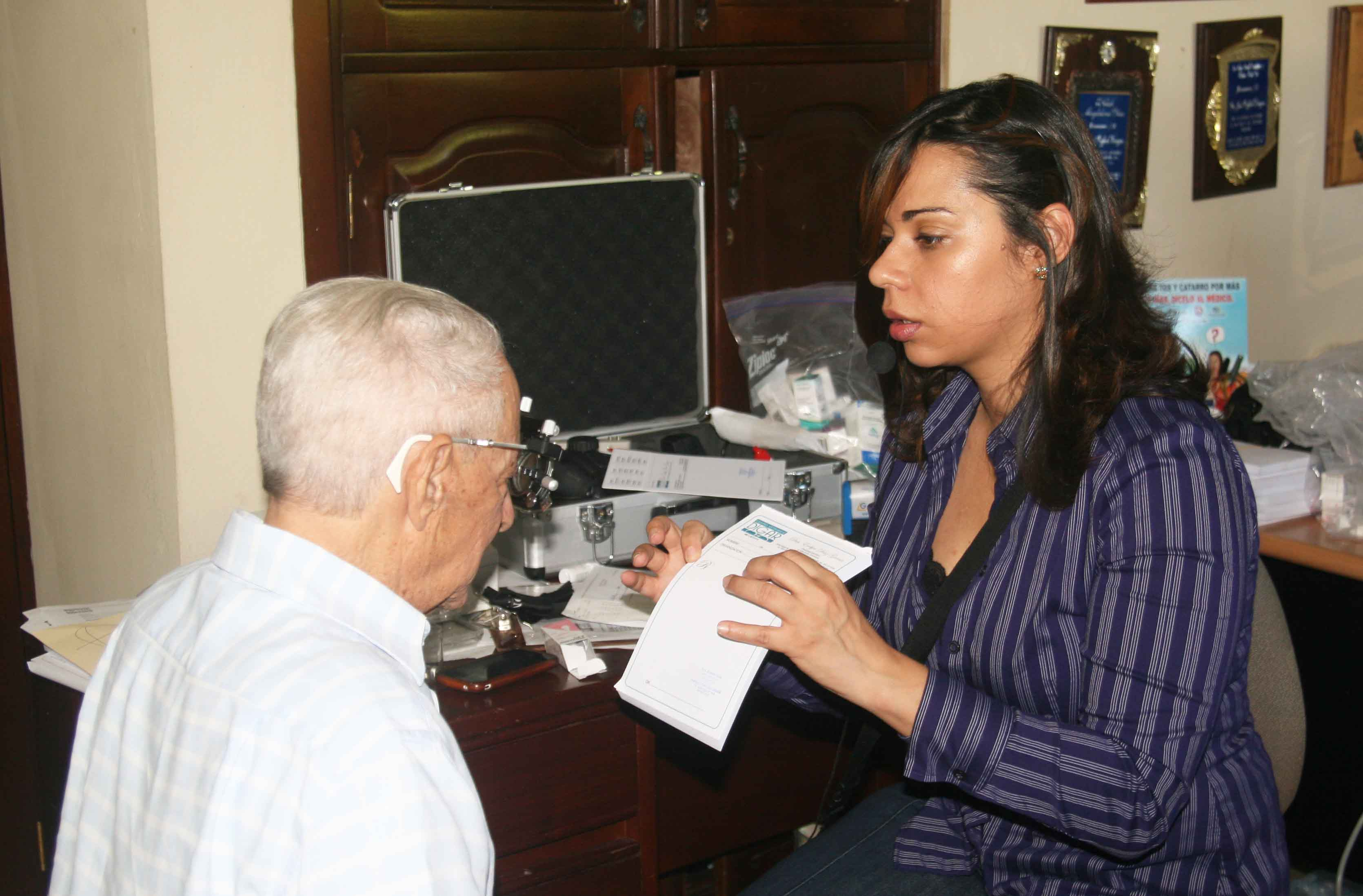 Realizan operativo médico en Moca