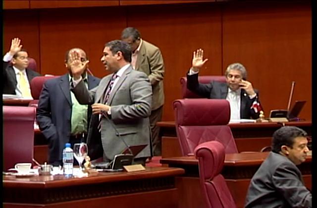 Senadores aprueban de urgencia el proyecto de Ley de Reforma Policial