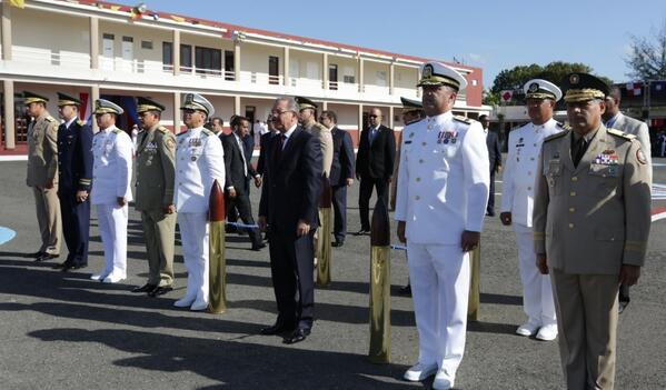 Presidente Medina encabeza graduación en la Armada Dominicana