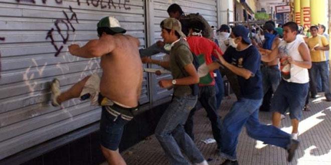 Detienen a 9 policías en Argentina por presunta relación con saqueos