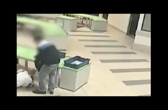 ¡Un Héroe! Seguridad salva a un bebé de un fuerte golpe