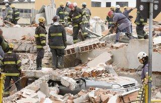 Se desploma edificio de cinco pisos en construcción en Sao Paulo