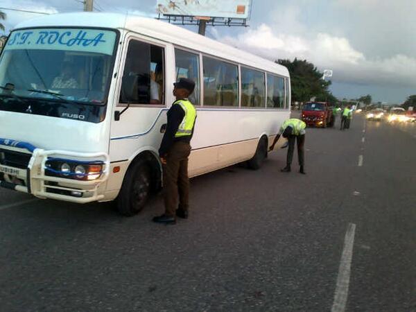 AMET inspecciona más de 2 mil autobuses en terminales de pasajeros y peajes