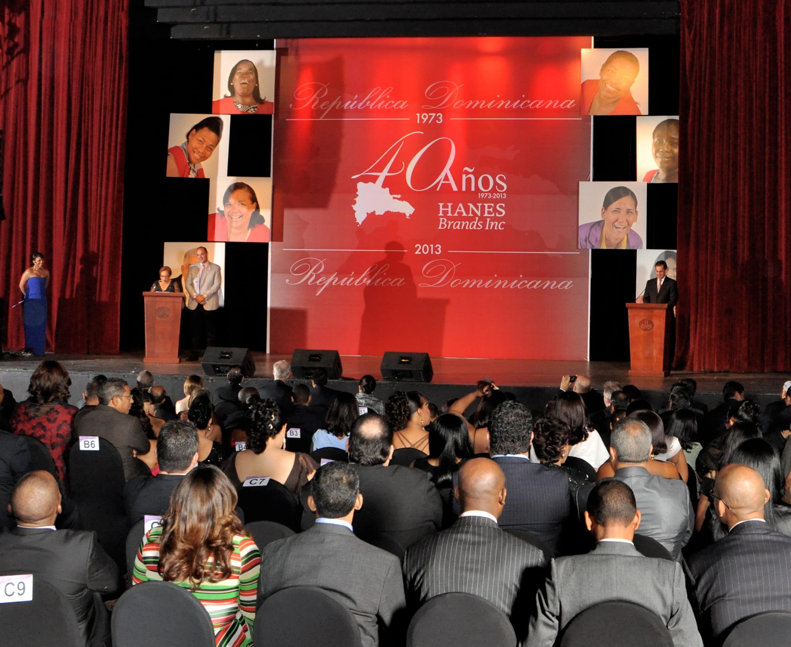 Empresa Hanes celebra su cuadragésimo aniversario