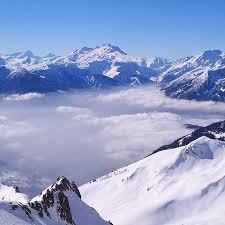 Dos muertos y tres heridos por cuatro avalanchas en los Alpes franceses