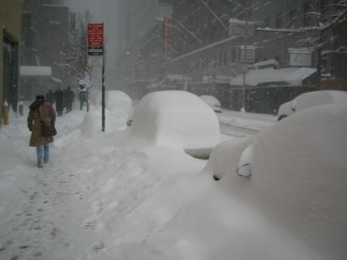 Miles de personas sin electricidad por gran helada en Nueva York