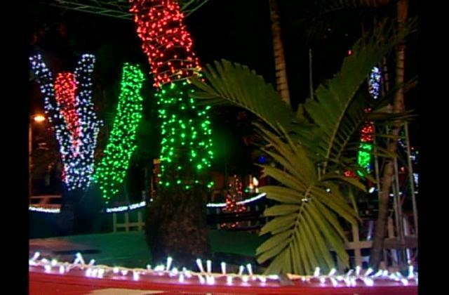 Con gran esmero decoran casas y avenidas a propósito de la navidad