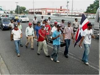 Demandan construcción de obras en Higüey y Santiago