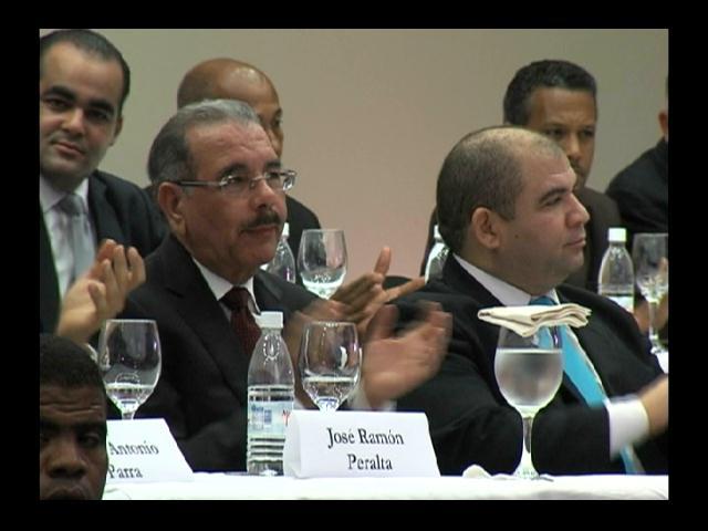 Comerciantes proponen reelección de Danilo Medina