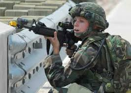 Más del 50% de mujeres fallan en prueba física de Infantería de Marina de EE.UU.