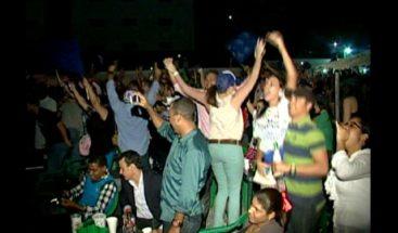 Liceístas toman las calles para celebrar triunfo