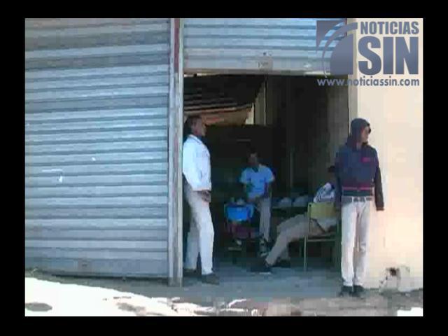 Aula escolar en almacén de agricultores.