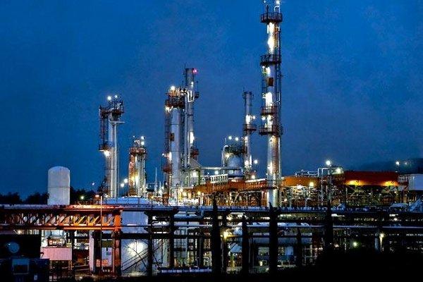 Irán invertirá en la construcción de una refinería de petróleo en España