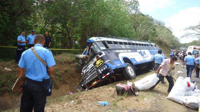 Choque de autobuses deja al menos 98 heridos en el norte de México