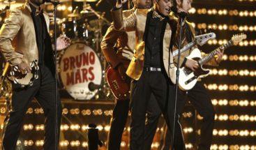 Bruno Mars espectacular en el Super Bowl