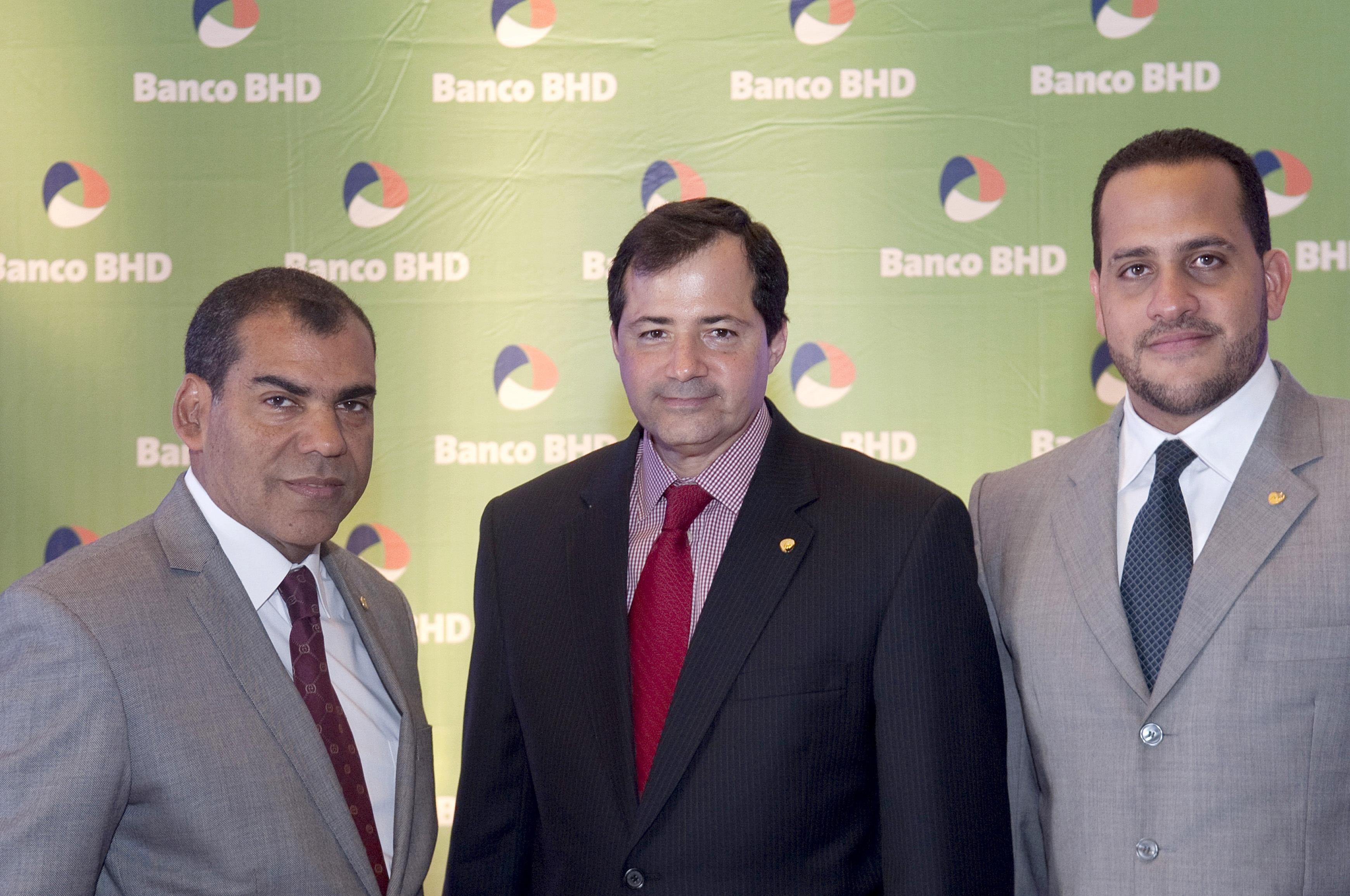 BHD presenta nueva tarjeta para incentivar el ahorro
