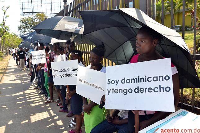 Dominicanos de ascendencia haitiana dicen no renunciarán a su nacionalidad