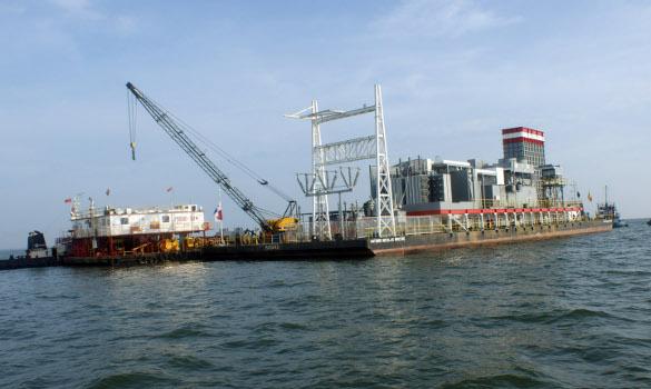 Medio Ambiente prohíbe instalar barcaza generación eléctrica en Puerto Plata