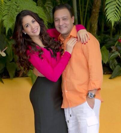 Abel Martínez se casa con presentadora Nahiony Reyes