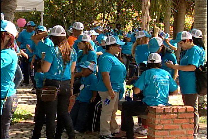 En Día Internacional de la Mujer realizan caminata en Jardín Botánico