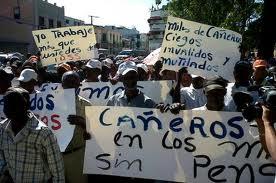 Continúan demandas de cañeros frente al Palacio Nacional