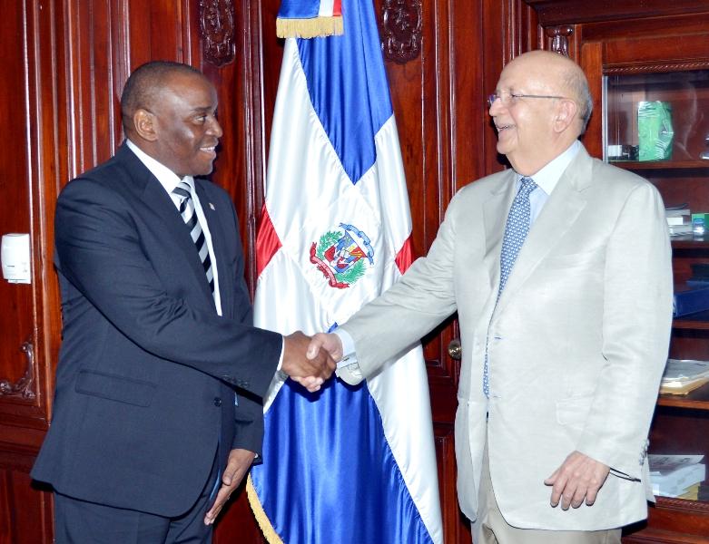 Sudáfrica estudia abrir una embajada en República Dominicana