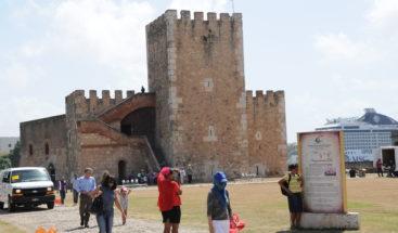 """Monumentos abrieron sus puertas para celebrar hoy """"Noche Larga de los Museos"""""""