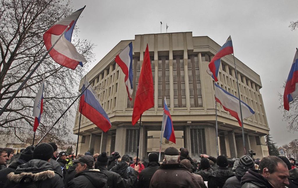 El Parlamento de Crimea se declara independiente de Ucrania