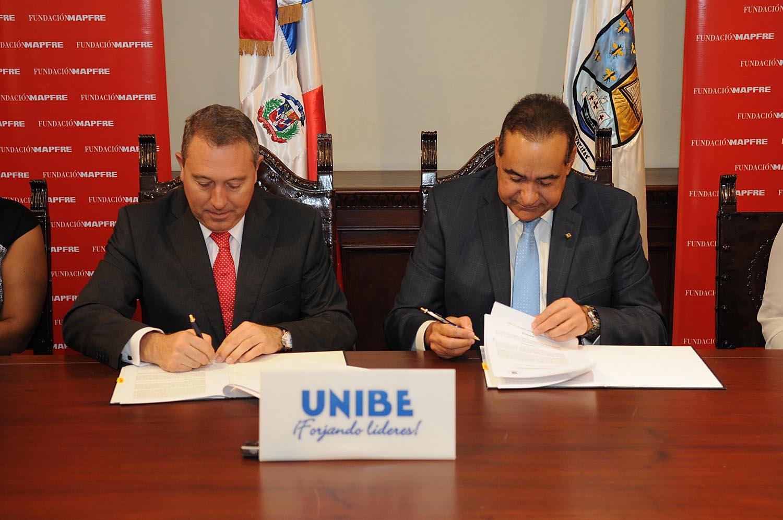 Unibe y fundación Mapfre firman acuerdo de colaboración