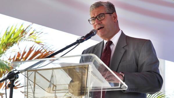 Gonzalo Castillo: Danilo y Leonel deben reunirse las veces que sea necesario