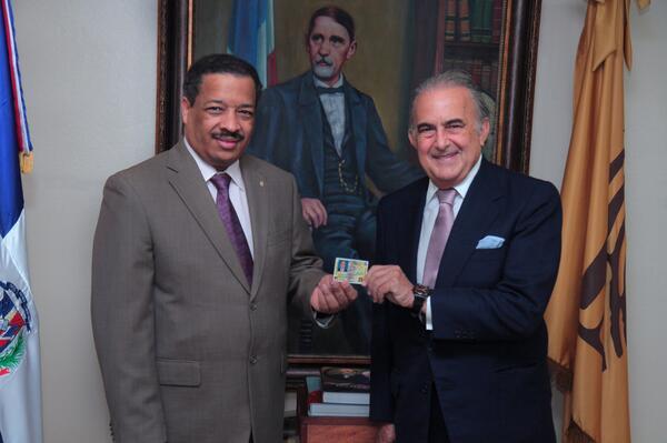 Empresario venezolano Gustavo Cisneros adquiere nacionalidad dominicana