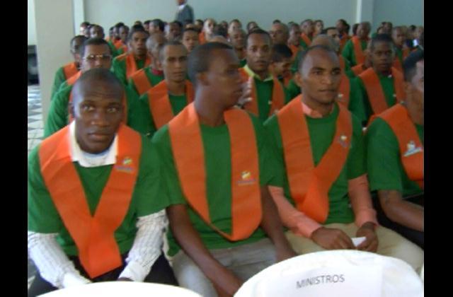 143 internos de La Victoria ya pueden leer y escribir