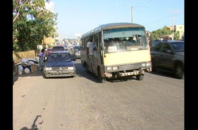 Sindicalistas dicen hace falta voluntad del Gobierno para ordenar transporte
