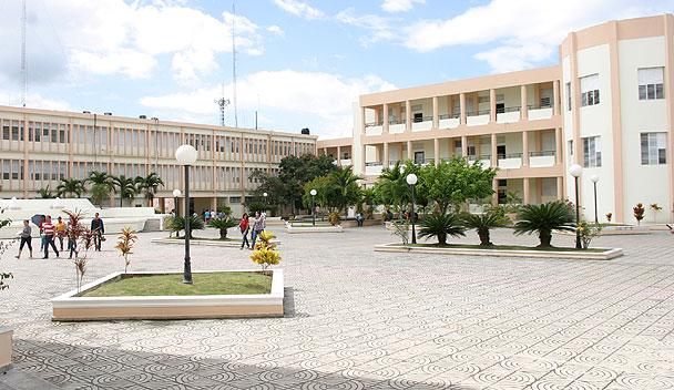 Maestros Carmen Santiago, Juan Taveras y Albin ganan elecciones UASD en SFM