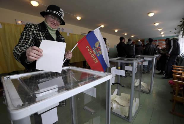 Un 93% de los crimeos votó a favor de unificación con Rusia, según sondeo