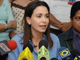 Machado dice volverá a Venezuela y seguirá siendo diputada