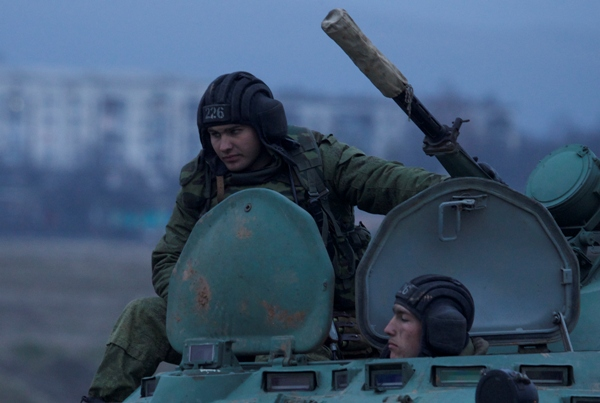 Un muerto y diez heridos en choques en región prorrusa del este de Ucrania