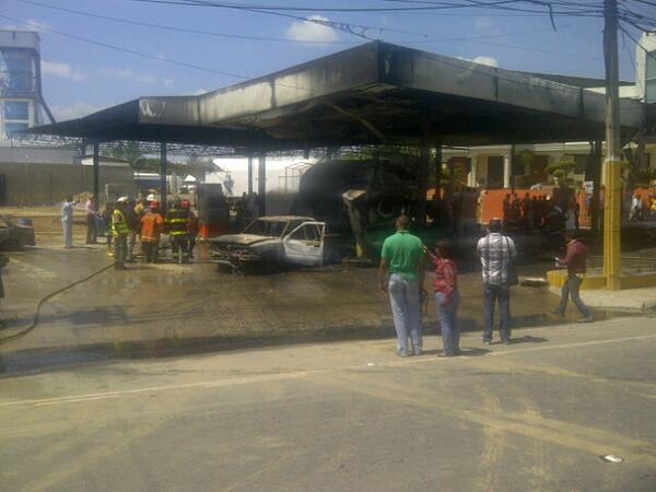 Incendio destruye estación de GLP en la Autopista Duarte
