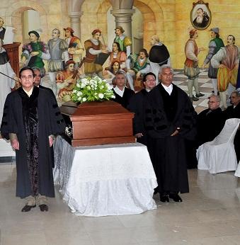 UASD realiza honras fúnebres en honor al maestro Emilio Bisonó Pérez