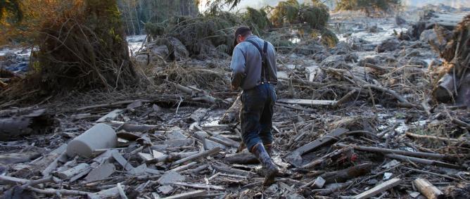 Suben a 14 los muertos en desprendimiento de tierras en oeste EE.UU