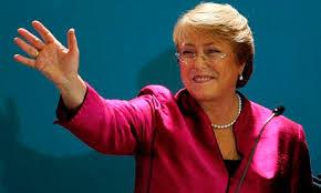 Michelle Bachelet : investida presidenta de Chile