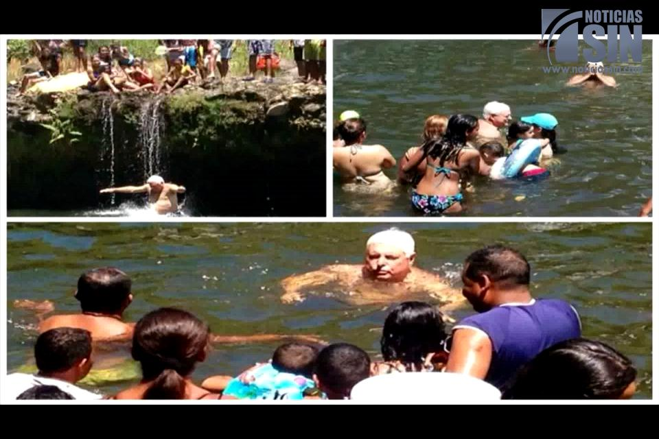 Presidente de Panamá captado mientras se bañaba en un río