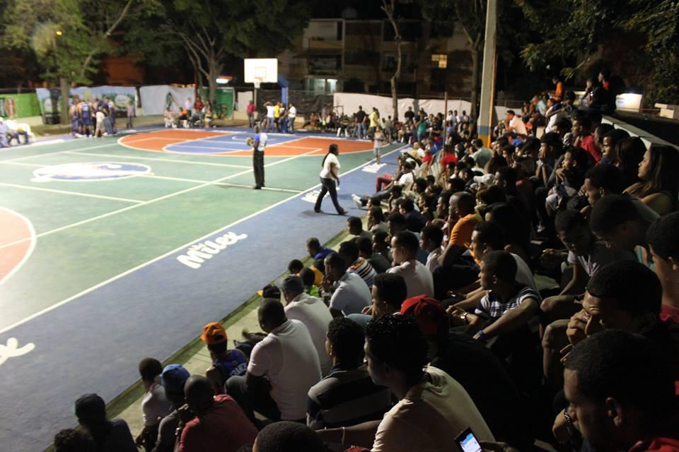 Inauguran décimo primer torneo baloncesto Cancino II
