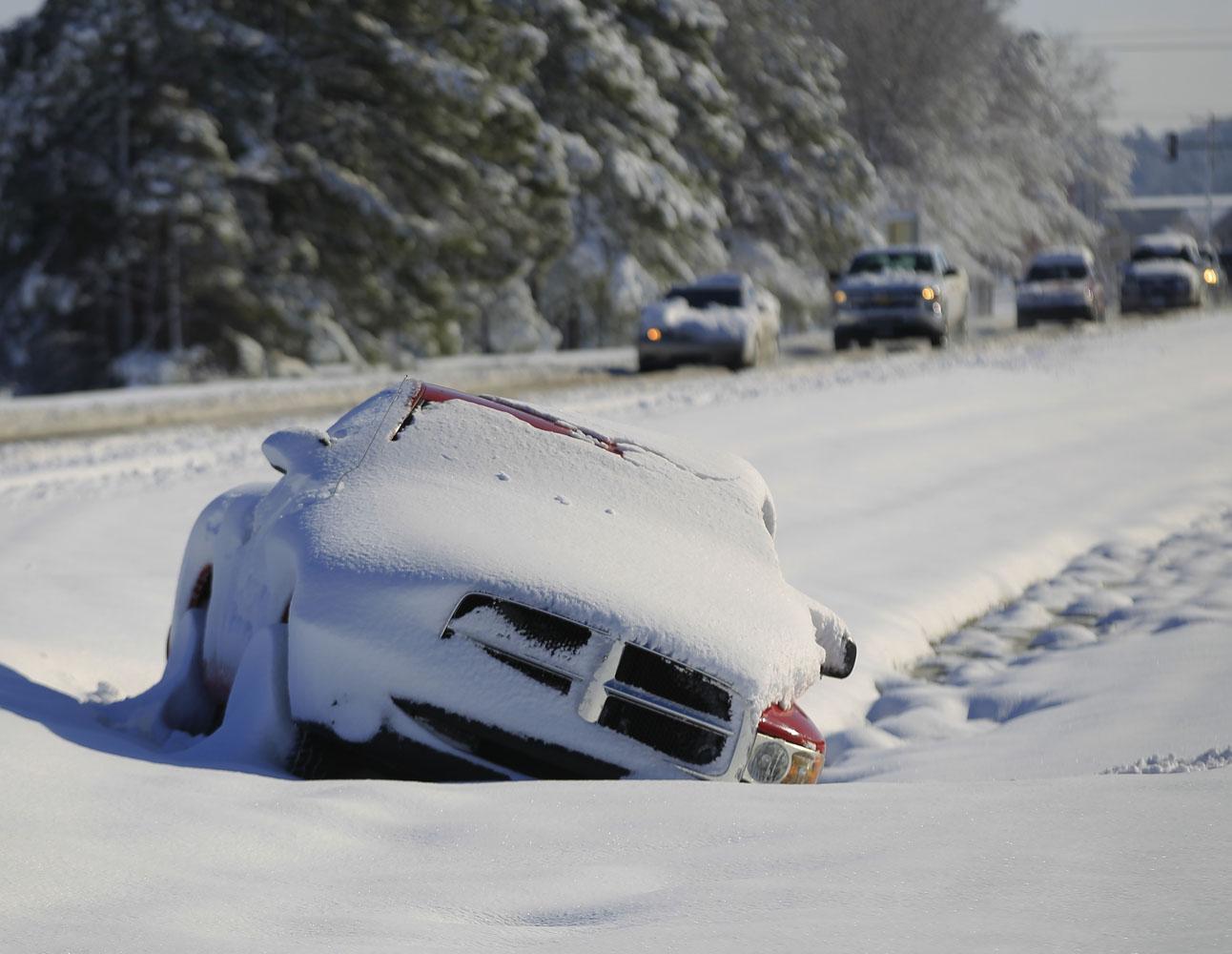 Una tormenta de nieve cierra el Gobierno y las escuelas en la capital de EEUU